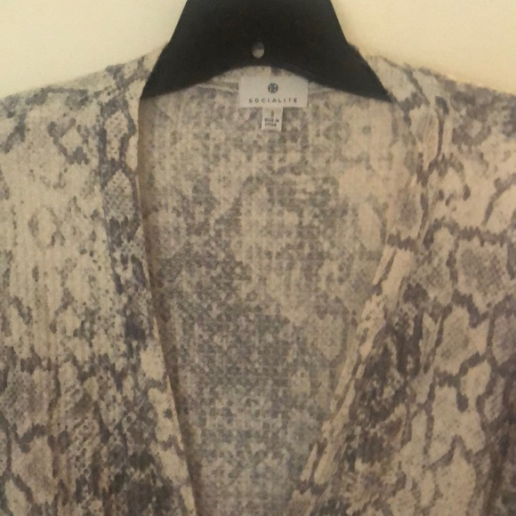 Ladies snake print wrap